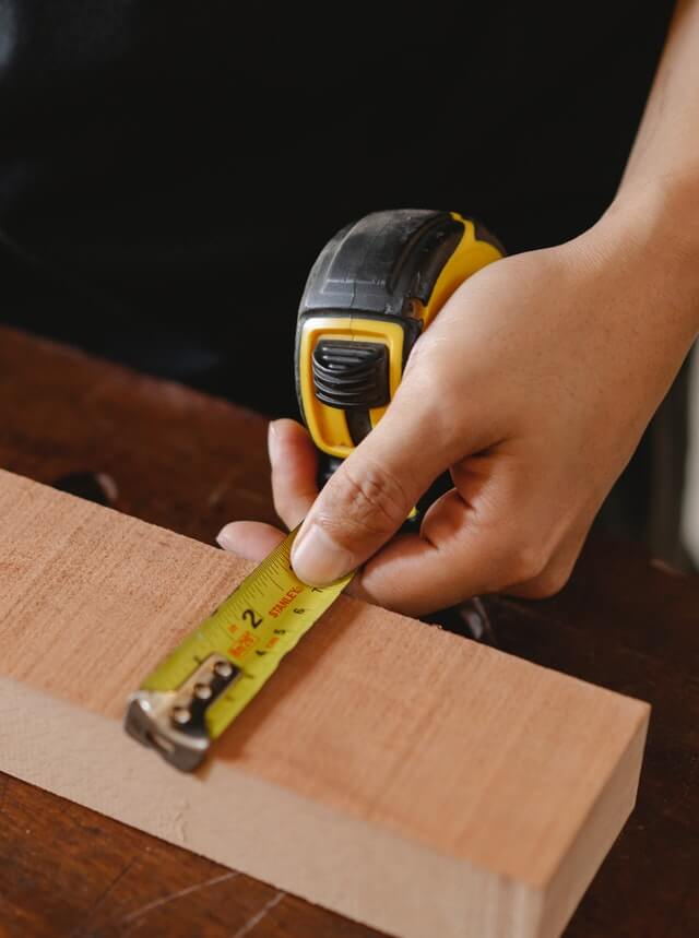 Measuring a wood